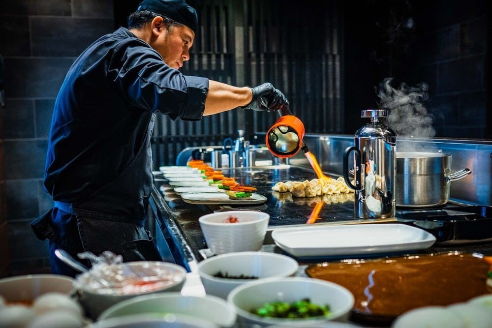 10 Astuces et Conseils de Politesse pour un Repas japonais